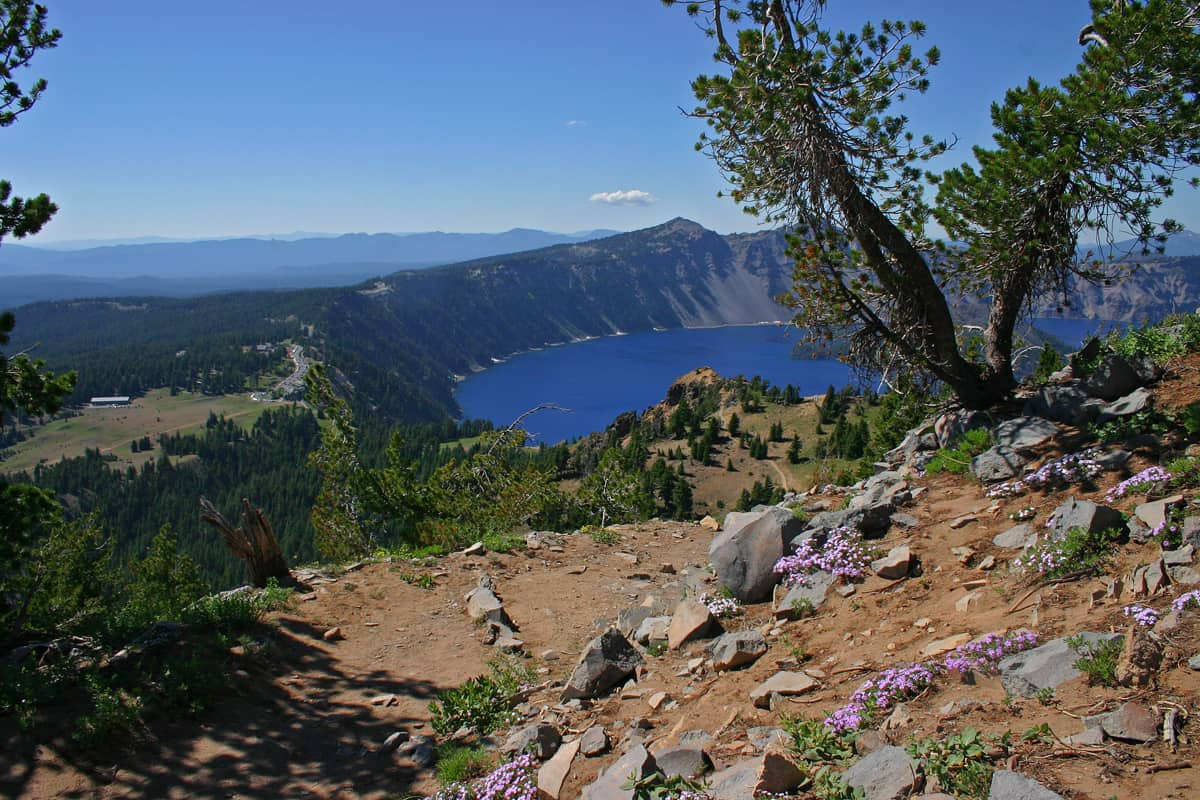Crater Lake Garfield Peak Trail Oregon USA Points of Interest
